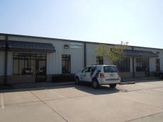 Office/warehouse space for telecommunications company