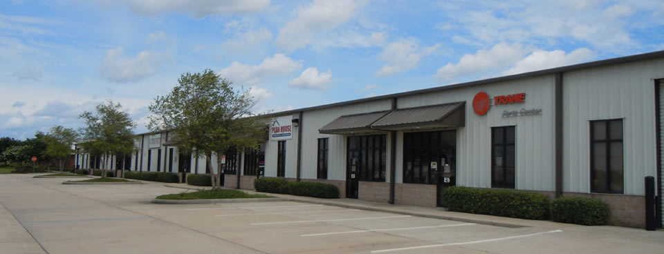 Office/Warehouse space for lease in Gulfport, Mississippi.