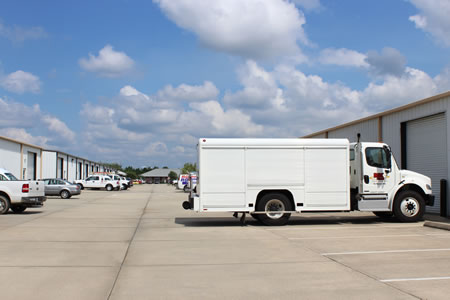 Warehouse space offered for lease that is ideal for distribution or supply companies