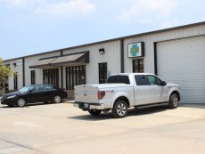 Commercial office/warehouse building